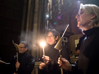 007   1stDec17 - Salisbury Cathedral Advent Procession - Photo by Ash Mills