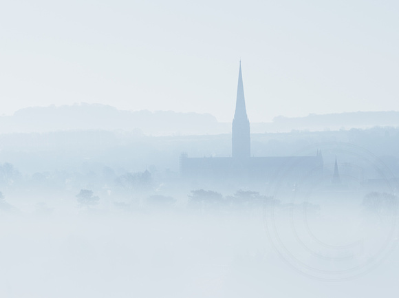 001 Salisbury Cathedral - Morning mist20180313_photo by Ash Mills