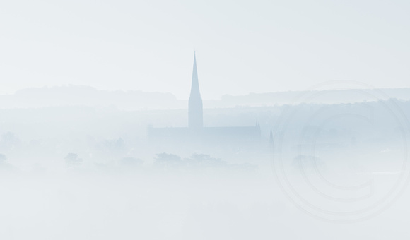 003 Salisbury Cathedral - Morning mist20180313_photo by Ash Mills