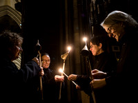 009   1stDec17 - Salisbury Cathedral Advent Procession - Photo by Ash Mills