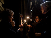 008   1stDec17 - Salisbury Cathedral Advent Procession - Photo by Ash Mills
